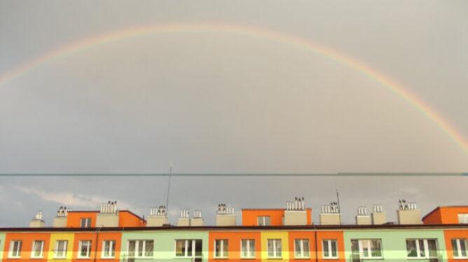 Pioruny w stolicy, grad w Elblągu i tęcza nad Darłowem