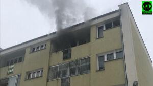 Pożar na Garwolińskiej. Ewakuowano mężczyznę i dwójkę dzieci