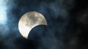 Zaćmienie Słońca i Księżyca oraz deszcz perseidów. Kosmiczne atrakcje 2015 roku